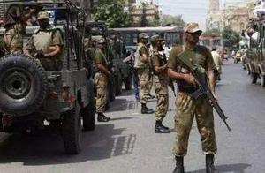 疑似武装毒贩试图强越边境,装备美制步枪,巴基斯坦哨兵死战殉国