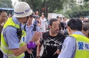 外籍男子骑电动车违规暴力抗法,警方通报来了!