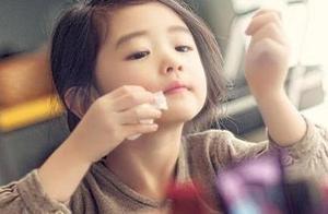 妈妈每天为5岁女儿化妆,七年后悲剧了,女儿这辈子也不会原谅她