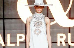 出道不足3月速登国际时装周,16岁的国模刘冰冰成本季黑马!