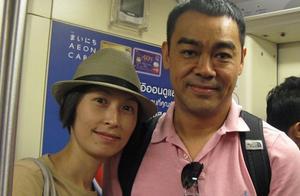 55岁刘青云宠爱妻子21年,不让她生孩子,自己出门买菜做饭