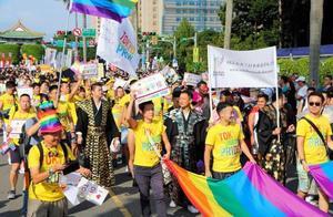 """台湾地区通过""""同婚专法"""" 同性5月24日起可办理结婚登记"""