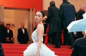 奚梦瑶回应戛纳赘肉争议对不起造型师,二次亮相全身钻石超吸睛