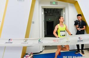 19分52秒登顶!平安金融中心国际垂直马拉松大师赛中国选手夺冠