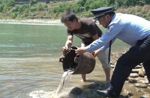 修复生态,非法捕鱼人买十万尾鱼投汉江