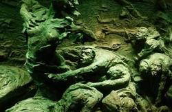 重庆防空洞惨案活活憋死上万人,蒋介石是如何处理的