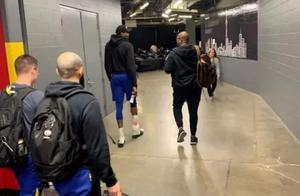 NBA总决赛丨杜兰特迟迟不复出引队友质疑,勇士王朝濒临绝境