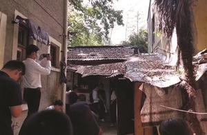"""南京一套双学区房爆出""""天价""""13.2平方米""""棚屋""""飙价至200万"""