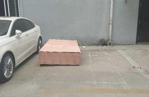 建材商在河南偃师法院坠亡