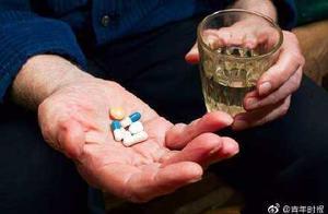 胆大!男子明知喝酒后不能吃头孢,仍抱着侥幸吃了,果真中毒了
