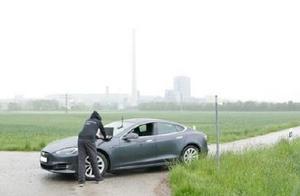 特斯拉GPS系统被发现漏洞 可被攻击者控制转向