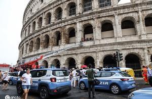 意大利男子爬上罗马斗兽场扬言要跳楼 警察:他都这样三次了