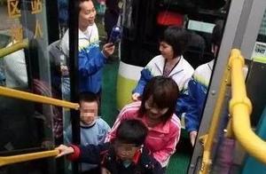 不再量身高,6岁以下儿童免费乘公交!