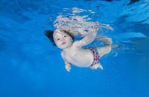 三幼童与父同时溺水!带孩子游泳,防溺水知识不容忽视