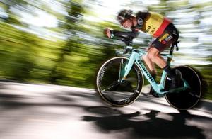 范·阿尔特因腿上被迫退出环法自行车赛