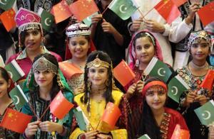 日本人在巴基斯坦冒充中国人被看穿:中国人的3个特点