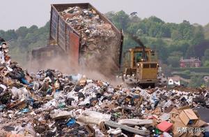 加拿大百吨垃圾遭菲律宾抵制,加网民:想尝尝导弹?