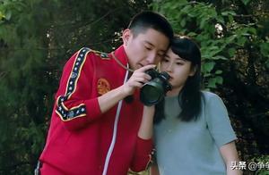 于小彤只顾着跟刘贝贝聊天,却不顾陈小纭的感受,黄圣依看不下去