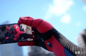 除了杀害神秘客,还有个场景设计,让蜘蛛侠不再是好邻居