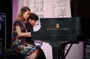 黄多多参加钢琴比赛与小伙伴四手联弹,两人包揽五个一等奖超厉害