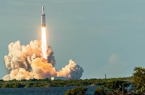 王者归来!全球最大火箭再度腾飞 将全世界远远甩开
