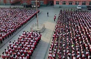 信阳息县一民办学校被指乱收费、劝退学生 底气何在