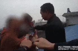 妻子跳楼丈夫在看热闹?!民警救下人后咆哮:我代表所有人骂你!