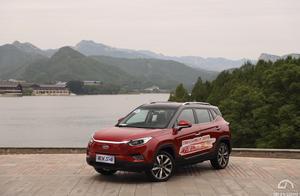 高颜值 黑科技 大众范儿 江淮iEVS4北京区域12.95万元起开售