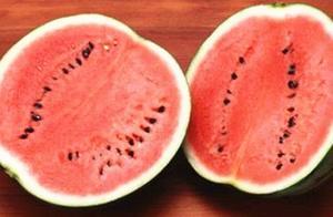 吃不完的西瓜不用放冰箱,1个笨方法,放一天一夜依旧鲜甜可口