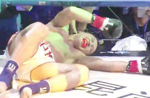 中国小将高膝撞胸铁拳狂砸头,克劳斯被揍鼻青脸肿愤怒反击