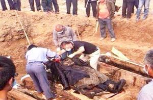 霍元甲真实死因成谜,当专家打开其陵墓见到尸骨后,解开谜题