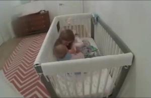 萝莉一大早就不在房间,老妈看婴儿房监控明白了,宠弟狂魔