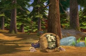 熊出没:光头强是真倒霉,晚上被吵睡不好,白天走路还摔跤