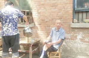 实拍南阳地道的老茶馆,仍保持着70年代的风格,进入茶馆恍如隔世