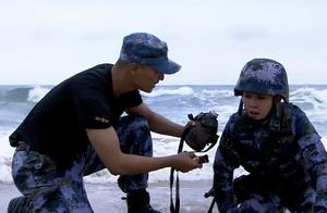 火蓝刀锋:女兵也丝毫不差,不需要特殊对待,乌云小姐姐真霸气!