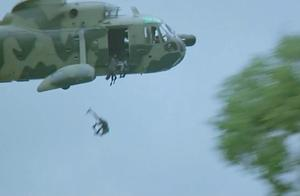 我是谁-惊险!成龙摔下直升机失忆