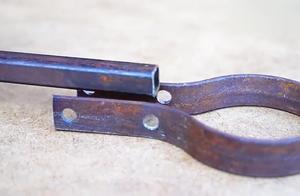 牛人用扁铁制作的这个工具,看着很一般,没想到用处这么大
