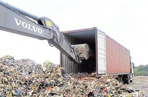 这个国家每年都要进口大量的垃圾,只因国内出现的垃圾不够用!