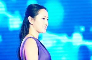 杨钰莹演唱会歌曲展播之湖北《轻轻地告诉你》,引全场歌迷大合唱