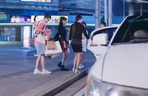 旋风少女:范晓萤第一次坐这么好的车,她没想到方廷皓家这么有钱