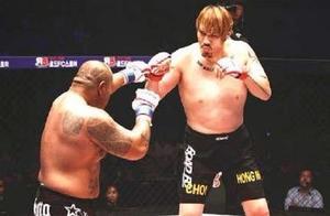 不看回放还以为是一场假拳,估计裁判都不知道拳手是怎么被KO的