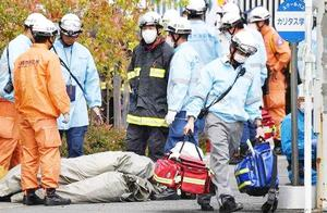 日本男子持刀冲向小学生!刀砍19人割喉自杀,邻居:他是可怜孩子