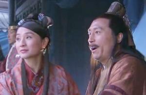 郭靖看见杨过多年未见后,武艺竟如此了得,乐的不行,黄蓉无奈了