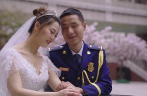 """嫁给""""火焰蓝""""上海普陀消防举行集体婚礼"""