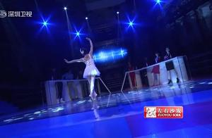 大陆64岁老爷子表演天鹅舞,让人看呆,可台湾爷爷这是什么鬼啊!