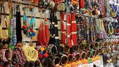 青海省西宁市有没有专业的服装批发市场
