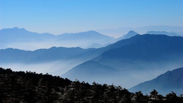 歌咏九嶷山的诗词