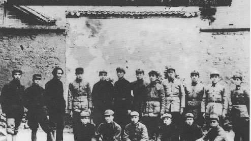 南昌起义、秋收起义、广州起义给我党最深刻的历史教训是