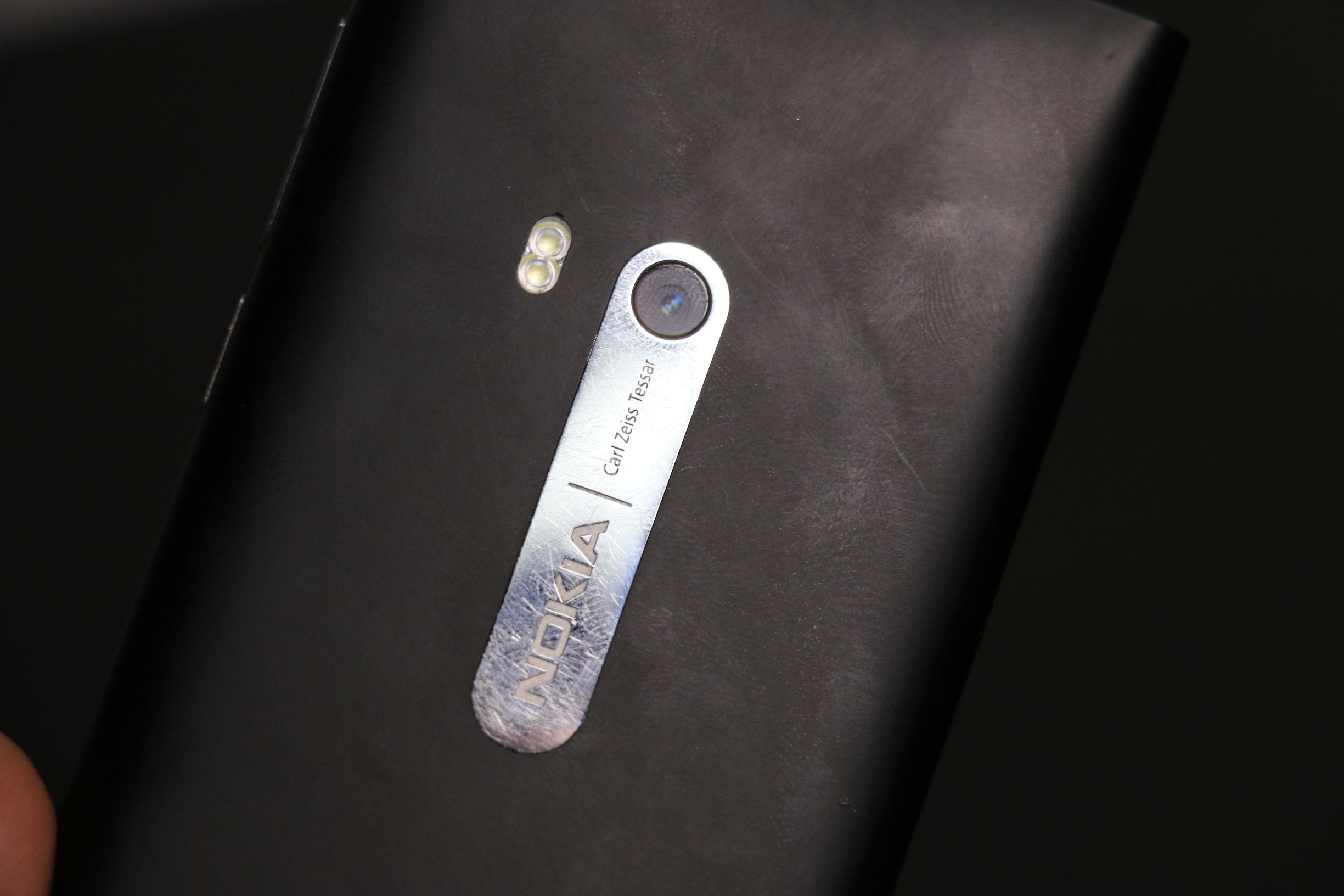 复古数码科技:一百块钱买回来的NokiaN9拆箱