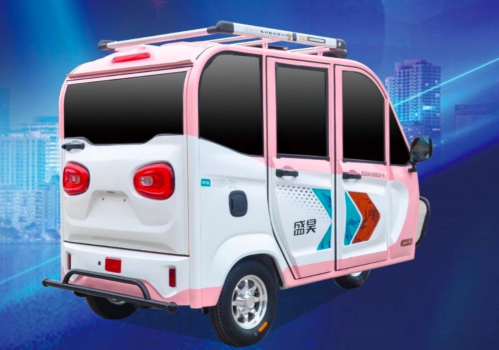 这2款电动三轮车空间大,铁皮车厢安全性高,最少能坐3个人